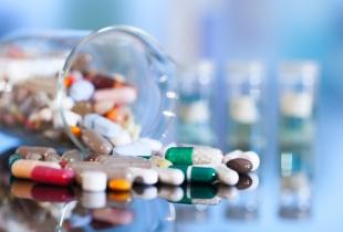 45% dos consumidores trocam os medicamentos receitados no momento da compra